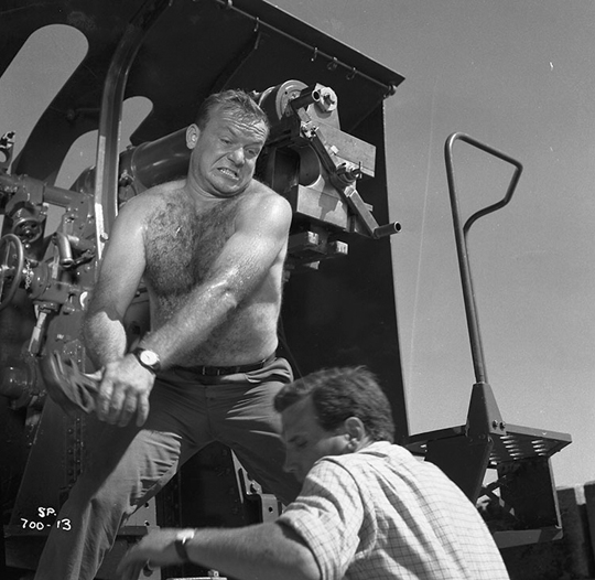Aldo Ray in The Siege of Pinchgut (1959)