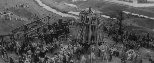 Raising the bell in Andrei Rublev