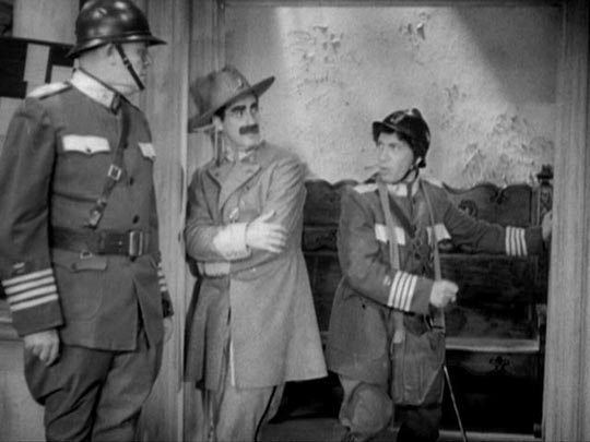 Groucho & Chico going to war in Duck Soup