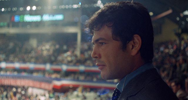 John Cassellis (Robert Forster) at the Democratic National Convention in Chicago, 1968