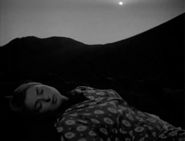 Karin (Ingrid Bergman) blends with the earth in Roberto Rossellini's Stromboli (1950)