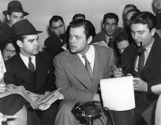 Welles at the next day's news conference