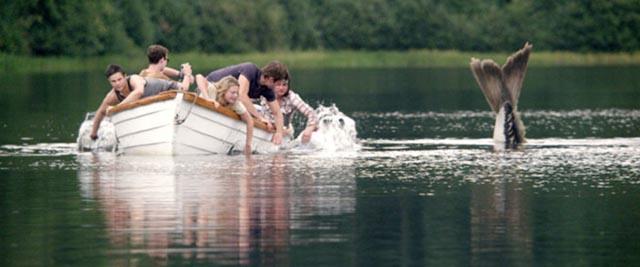 Fishbait: generic teens meet their fate in Larry Fessenden's Beneath (2013)
