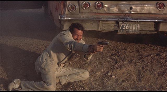 Warren Oates as Bennie: a desperate, grubby man based on Peckinpah himself