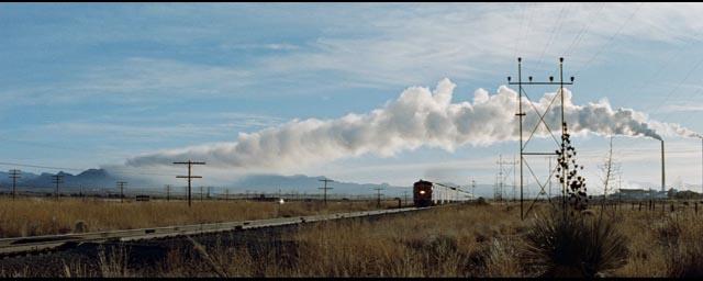 Trouble arriving by train in Richard Fleischer's Violent Saturday (1955)