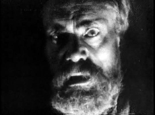 Paul Rehkopf as The Beggar