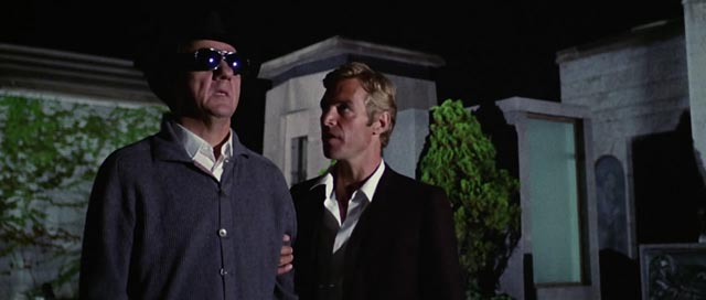 Karl Malden and James Franciscus investigating murder in Argento's Cat O'Nine Tails (1971)