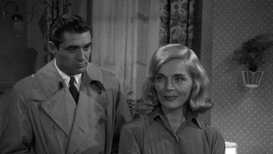 No chemistry here: Steve Cochran and Lizabeth Scott go through the motions