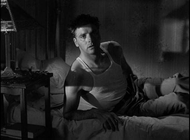 Burt Lancaster as Ole 'Swede' Anderson, accepting his fate