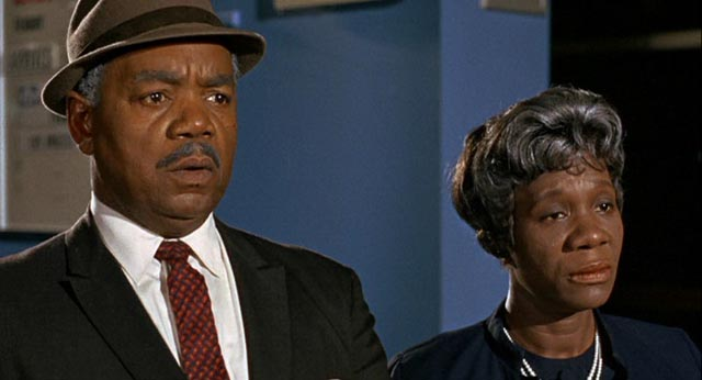 Roy Glenn and Beah Richards as Dr. Prentice's parents in Guess Who's Coming to Dinner