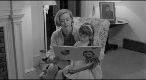 Delphine Downing (Kip McArdle), the final victim, celebrating Lincoln's birthday with her daughter in The Honeymoon Killers (1969)