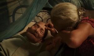 Adi's elderly parents n Joshua Oppenheimer's The Look of Silence (2014)