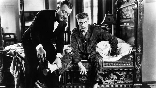 Longfellow Deeds (Gary Cooper) has a conflicted relationship with wealth and privilege in Frank Capra's Mr Deeds Goes To Town (1936)