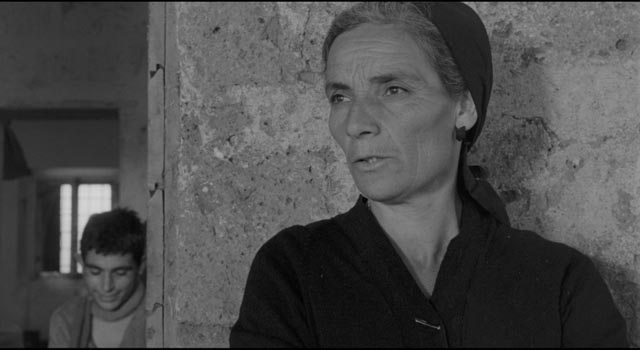 Adriana's embittered mother resents her daughter's ambition, but hates her own life in Antonio Pietrangeli's I Knew Her Well (1965)