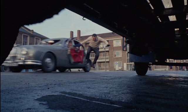 Dangerous stunts during the opening car chase of Peter Yates' Robbery (1967)