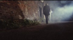 Lucio Fulci creates a lot of atmosphere in the English village setting of The Black Cat (1981)