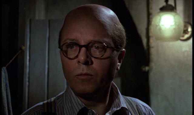 The dull face of evil: Richard Attenborough as serial killer John Reginald Christie in Richard Fleischer's true-crime movie 10 Rillington Place (1971)