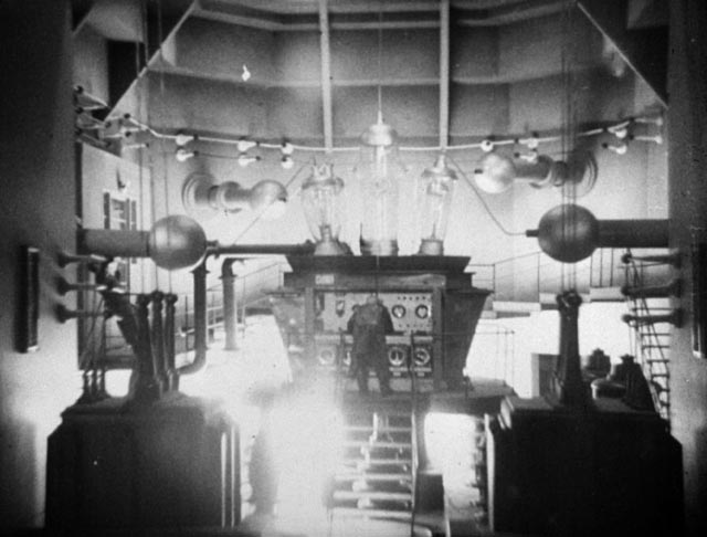 The transmutation machine at work in Karl Hartl's Gold (1934)