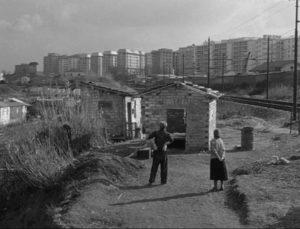 Natale (Giorgio Listuzzi) and Luisa (Gabriella Pallotta) survey their modest new home in Vittorio De Sica's Il Tetto (1956)