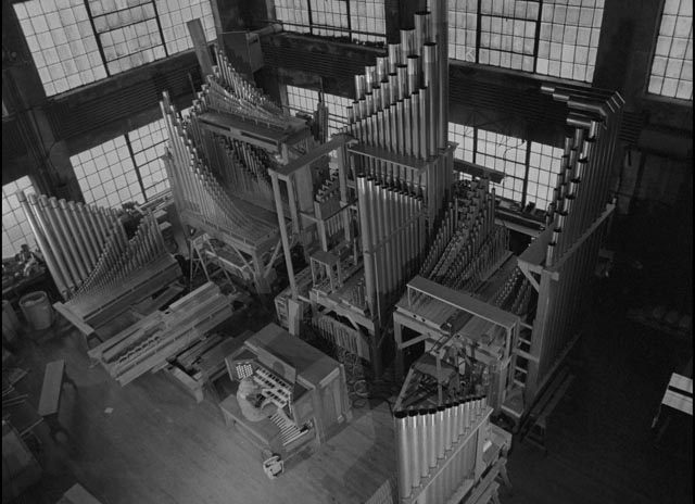 Mary playing the great organ at the factory in Lawrence, Kansas, in Herk Harvey's Carnival of Souls (1962)