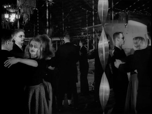 The dance of the dead in Herk Harvey's Carnival of Souls (1962)