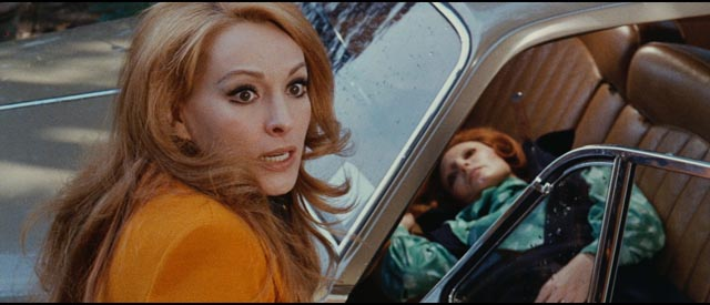 Susan Scott terrorized in Luciano Ercoli's Death Walks at Midnight (1972)