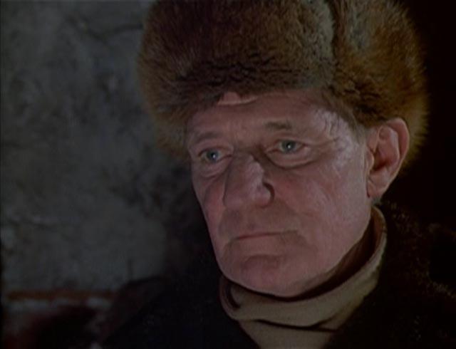 Trevor Howard as the Inspector in Laslo Benedek's The Night Visitor (1971)