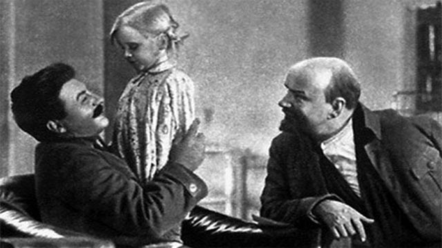 Friendly Uncle Joe Stalin with Lenin in Mikhail Romm's Lenin in October (1937)
