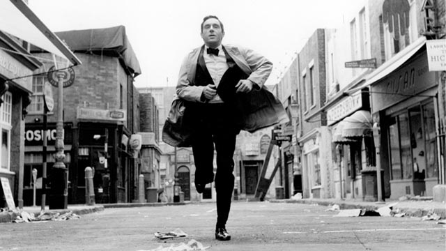 Time is running out for small-time entertainer Sammy Lee (Anthony Newley) in Ken Hughes' The Small World of Sammy Lee (1963)