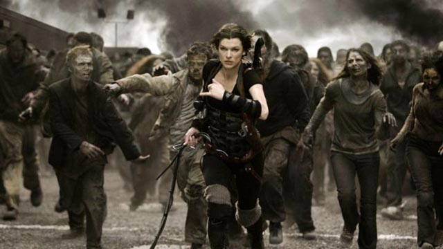 Alice (Milla Jovovich) trying to outrun the zombie horde in Paul W.S. Anderson's Resident Evil: The Final Chapter (2016)
