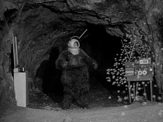 Ro-Man and his world-destroying bubble machine in Phil Tucker's Robot Monster (1953)