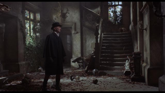 The Baron discovers that you can't go home again in Freddie Francis' The Evil of Frankenstein (1964)