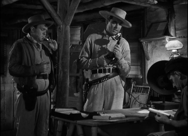 Geoff and his right-hand man Kid Dabb (Thomas Mitchell) with the vital radio in Howard Hawks' Only Angels Have Wings (1939)