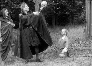 The graveyard scene from a 1913 adaptation of Hamlet
