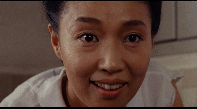 Tampopo (Nobuko Miyamoto) is eager to learn the finer points of cooking ramen in Juzo Itami's Tampopo (1985)