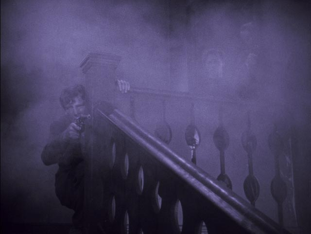 The gunfight which leads to Francis McPhillip's fatal mistake in Arthur Robison's The Informer (1929)