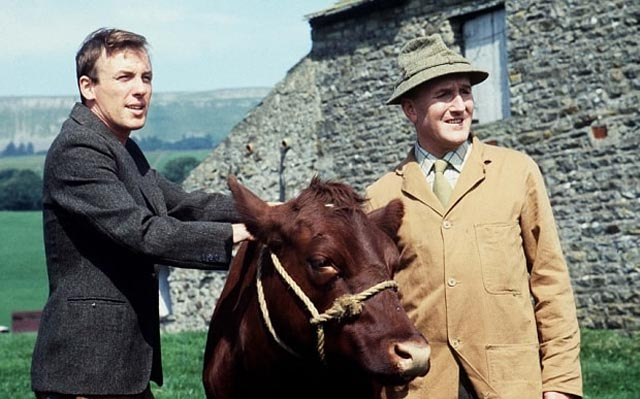 Robert Hardy (r) with co-star Christopher Timothy in All Creatures Great and Small (1978-90)