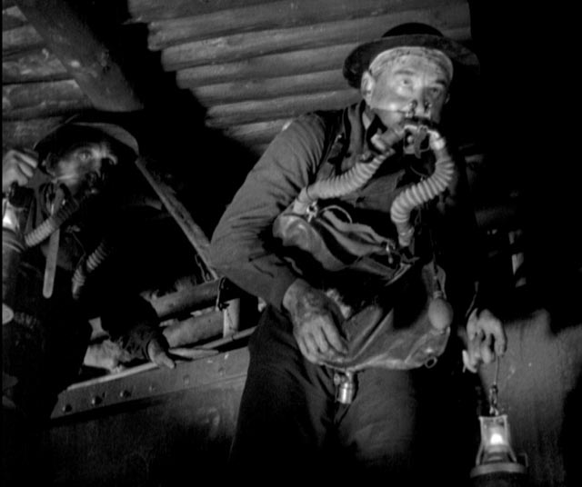 Echoes of the war: rescue workers in the mine in G.W. Pabst's Kameradschaft (1931)