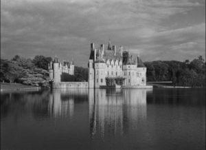 The Kerloquen family castle in Georges Franju's Pleain feux per l'assassin (1961)