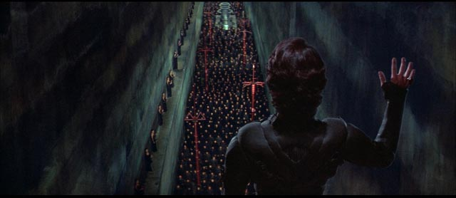 Messiah Paul Atreides (Kyle MacLachlan) addresses the Fremen warriors in David Lynch's Dune (1984)