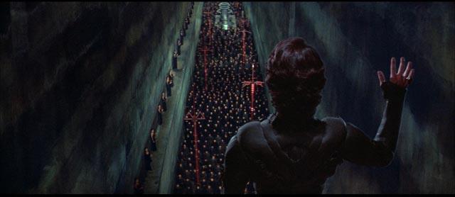 Messiah Paul Atreides (Kyle MacLachlan) addresses the Fremen warriors in David Lynch's Dune (1984)