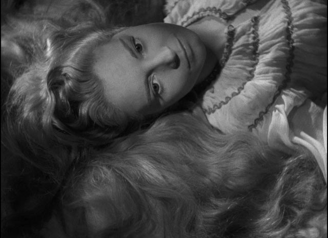 Suzanne Cloutier as Desdemona: in her innocence she fails to comprehend Othello's mania in Orson Welles' Othello (1952/55)