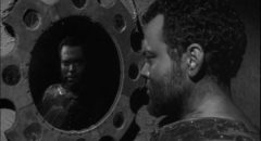 Orson Welles as Othello, a personality split in two by insecurity