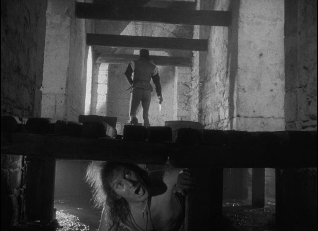 Visual space is shattered as Iago murders Cassio in Orson Welles' Othello (1952/55)