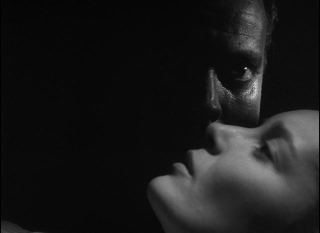 Darkness and light as visual style and thematic expression in Orson Welles' Othello (1952/55)