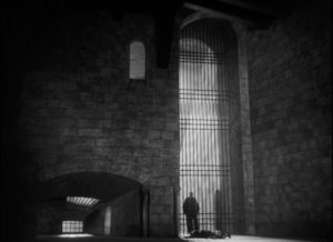 ... until Othello's crime strips him of all stature in Orson Welles' Othello (1952/55)