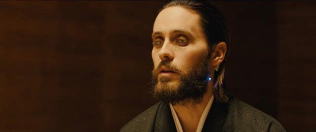 ... while Niander Wallace (Jared Leto) is an identity-ambiguous tech start-up jerk in Denis Villeneuve's Blade Runner 2049 (2017)