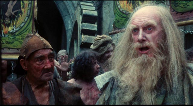 Graham Crowden as the leader of a sect of religious fanatics in Terry Gilliam's Jabberwocky (1977)