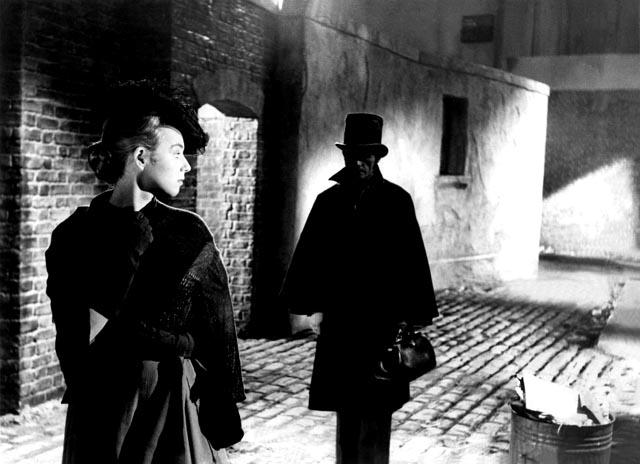 The killer stalks another victim in Robert S. Baker & Monty Berman's Jack the Ripper (1959)