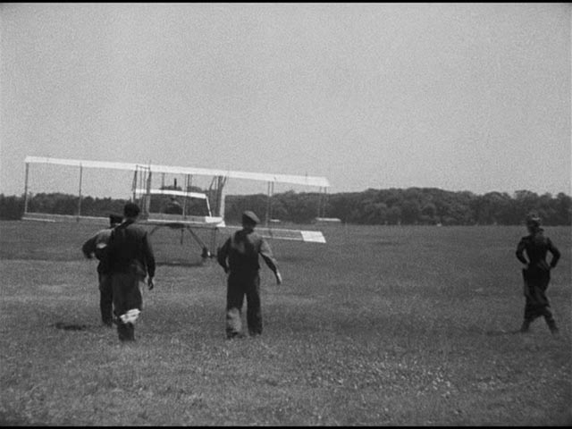 Chiffon's uncle Marc rises briefly into the air in Claude Autant-Lara's Le mariage de Chiffon (1942)